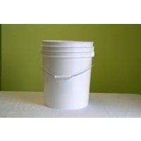 5 Gallon White Plastic Car Wash Bucket